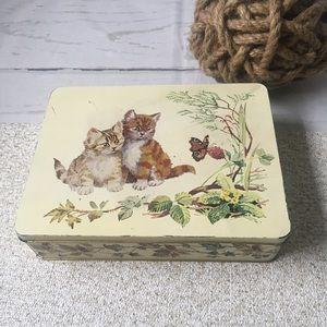 Vintage Kitten Cat Tin Container 1982 England